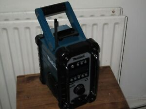 MAKITA 18V LXT DMR110 JOB SITE RADIO DAB/FM/AUX CAN WORK WITH MAIN & BATTERY