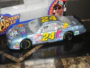 Hasbro Winner's Circle 1/24 Scale JEFF GORDON Die Cast Car DUPONT NASCAR 1998