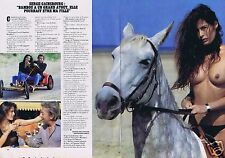 Coupure de presse Clipping 1983 Serge Gainsbourg & Bambou (2 pages) seins nus