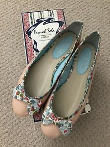 French Sole Ballet Flats Size 40