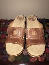 Women's Dansko Brown W/Tan Stitching  SUNNY  #9813742200 Size 36 EUC Worn Once