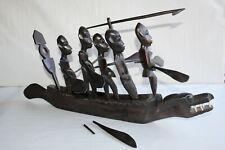 Sculpture africaine, en bois , bateau et personnages longueur 55 cm