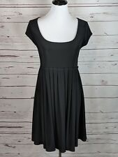 White House Black Market Small Pleated Scoop Neck Dress Short Sleeve