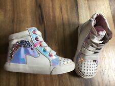 Infant/ Toddler Girls unicorn theme lace up sneakers.size 6