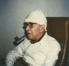Georges SIMENON / 5 Photographies originales avec dédicaces autographes. 1984