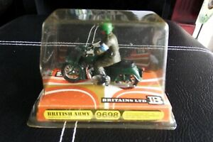 BRITAINS British Army Dispatch Rider 9698 1.32, rare boxed from new 1960's!