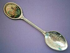 P920*) Vintage Canterbury Cathedral souvenir Collectors spoon