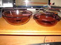 2 Vintage Purple  PYREX Smooth Bowls USA Made Excellent Condition 2.5L,1.5L