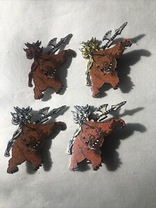 LITTLE LEAGUE PINS 4 SMALL YING YANG WARRIOR BROWN BEARS 2 1/2 INCH