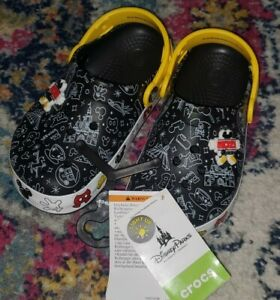 NEW Disney Parks Mickey Mouse Light Up Crocs Clogs Child Size C 5 NWT