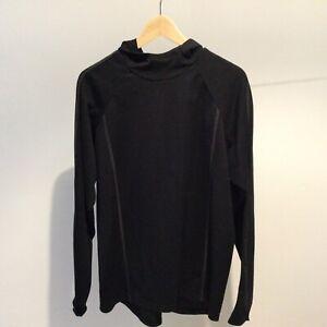 PEARL IZUMI Black Long Sleeve Hooded Top - cycling / running (Medium)
