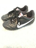 BOYS NIKE JR SOCCER CLEATS SHOES YOUTH SIZE 1.5