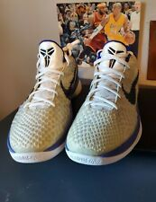 Kobe Zoom 6 Concord  429659-100 Size 11.5  Excellent condition