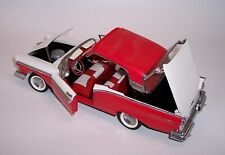 FRANKLIN MINT 1/24 1957 FORD FAIRLANE RED & WHITE MINT w/ RETRACTABLE ROOF