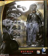 Mafex Batman (Batman V Superman Dawn of Justice) ORIGINAL