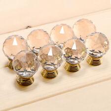 Markenlose Möbelgriffe aus Glas