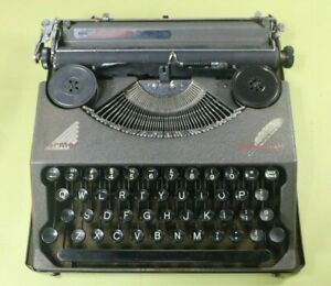 1938 Hermes Baby Featherweight Portable Typewriter and Case, Clean