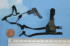 HOT TOYS 1/6TH SCALE MODERN PISTOL AND HOLSTER CB22818