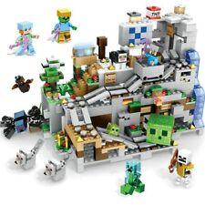 MINECRAFT - montagna cava Lego 865 pcs