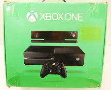 Microsoft Xbox One + Kinect Model 1540/1520 (7UV-00077 ) with 500 GB HD