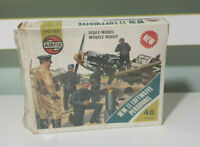 Vintage Airfix ww2 luftwaffe personnel suit collector or 20mm wargame 1975