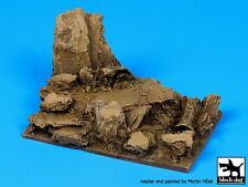 Black Dog (No Scale) Rock Fantasy Vignette / Diorama Base (100mm x 66mm) FD007