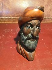 Très belle tête de pipe en bois sculpté , les yeux en verre .