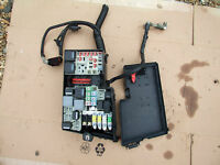 FORD FOCUS C MAX C-MAX 07-10 2.0 PETROL AUTOMATIC FUSE BOX