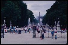 223043 Vista de Jardines de Tuileries mirando hacia Arc de Triomphe A4 Foto Impresión