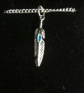 Feather Pendant Necklace (2)