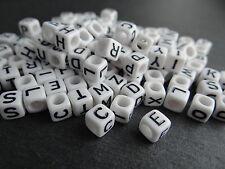 100 Buchstaben Acryl Würfel Perlen weiss/schwarz Buchstabenperlen 6mm Basteln