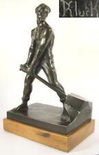 W.Kluck (um1900)  / Steinbrucharbeite / schöne Bronze, signiert auf Holzsockel