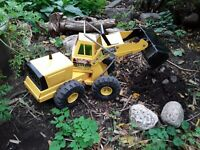 Vintage Mighty Tonka Front End Loader. Pressed Steel Toys. Collectibles