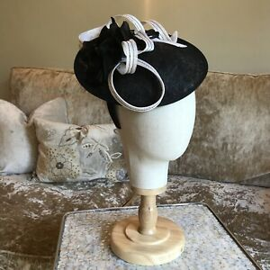 Hat Box Hair Band Black White Fascinator Wedding Races Occasion vgc MOTB floral