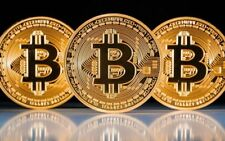 BITCOIN!! Gold Plated Physical Bitcoin in protective acrylic case FAST Delivery