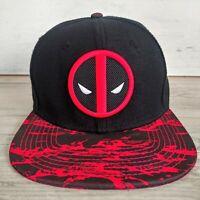 Marvel Deadpool Snapback Hat Cap Superhero Adjustable Black Red Preowned
