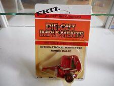 ERTL International Harvester Round Baler in Red on 1:64 on Blister