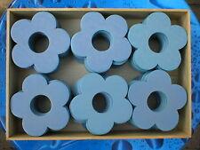 240 Stück Holzblumen Holzblüten Lochblumen hellblau 7cm in 5 Holzboxen