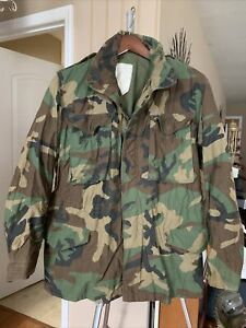 M-65 US Army Field Jacket Coat Cold Weather Woodland Camo Sz Med-Reg Made In USA