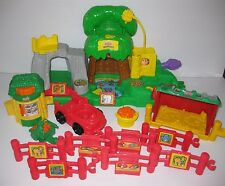 FISHER PRICE 2001 Little People ANIMAL SOUNDS ZOO, FENCE, FOOD, TRACTOR Lot