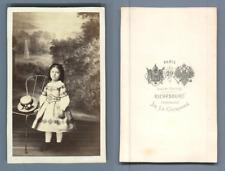 Richebourg, Paris, petite fille au chapeau rond CDV vintage albumen carte de vis