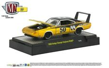 M2 Machines 1969 Dodge Charger Daytona HEMI MOONEYES Liquid Gold