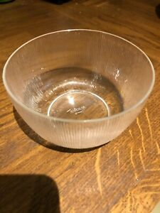 Rare pair of Lalique glass bowls - circa 1930s signed R Lalique France