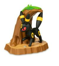 Pokemon Center An Afternoon with Eevee & Friends UMBREON Figure by Funko