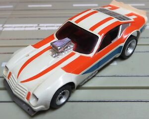 For H0 Slotcar Model Railway Funny Car With AFX Chassis + 2 New Rear Tyres
