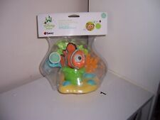 Disney Finding Nemo scoop squirt and store bath playset new