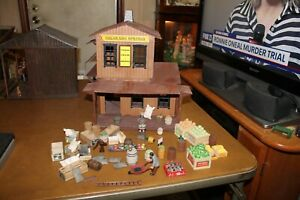 G SCALE TRAIN Custom Made Country Store With Accessories