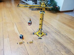 LEGO City Building Crane (7905) with Manual