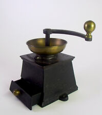 antike Kaffeemühle Gusseisen  - coffee grinder No. 2 - Georg Krahl Wien 19. Jhd.