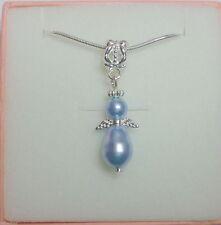 Markenlose Modeschmuckstücke aus gemischten Metallen mit Perle
